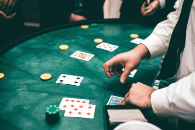 Make a living online by gambling